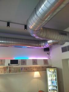 impianto di condizionamento in un bar a Milano